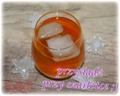 Drink SZARLOTKA – wódka + sok jabłkowy + cynamon;)  Szarlotka (drink jabłkowy) | Blog Kuli ...