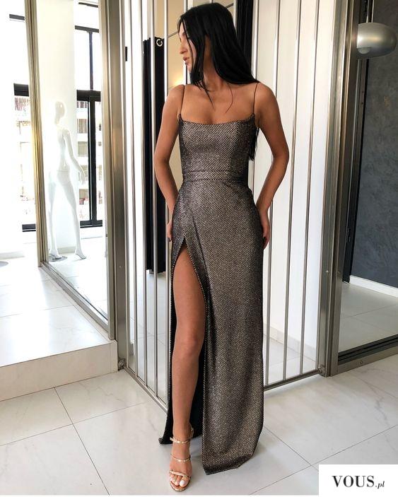 elegancka długa sukienka z rozcięciem