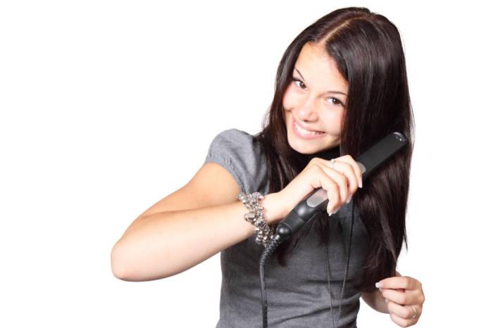 Jaka prostownica do włosów jest najlepsza? Ranking | zadbanewlosy.pl
