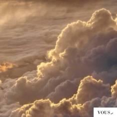 złote chmury