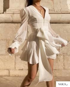 biała sukienka z guzikami