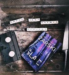sisters as books – instagram : https://www.instagram.com/sisters_as_books/
