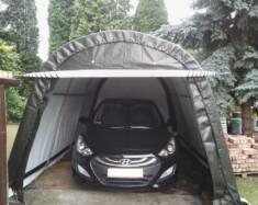 Namiot garażowy ustawiony na podjeździe przed domem zapewni pełną ochronę samochodu przed niekor ...
