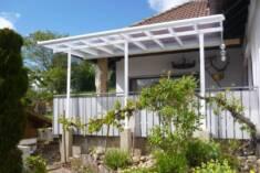 Uniwersalne zadaszenie świetnie nadaje się do osłonięcia zarówno tarasu jak i balkonu.  Aluminio ...