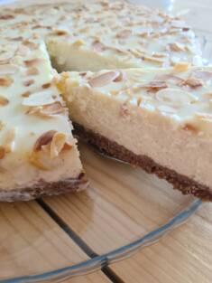 Sernik migdałowy z białą czekoladą | AleTorcik! – przepisy na pyszne, domowe ciasta, ciast ...
